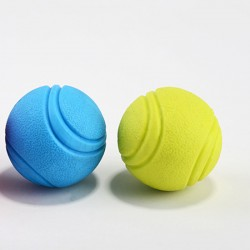 Színes, kemény labdák